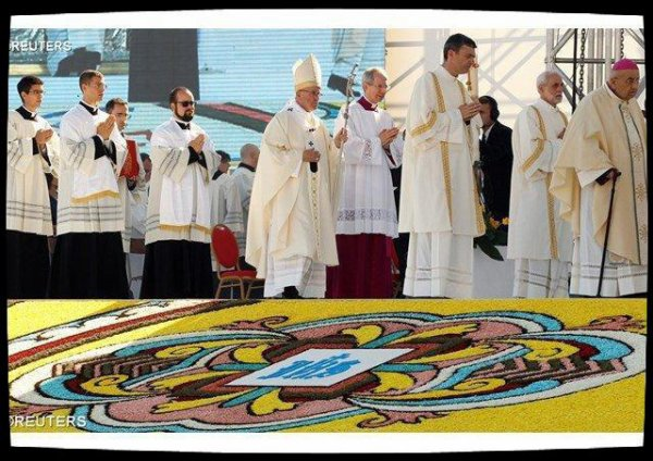 Messe du Pape à Gênes: «Le pouvoir du Christ est de relier le ciel et la terre»