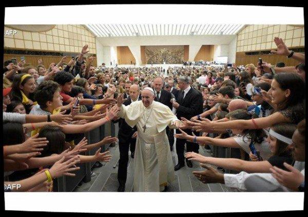 """Le Pape aux jeunes : changer le monde """"en ouvrant son coeur"""""""