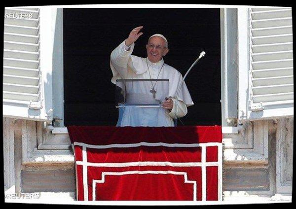 Angélus: Dieu n'est qu'amour dans une relation trinitaire qui sanctifie