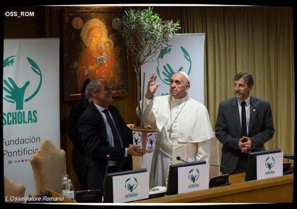 Le Pape inaugure le siège romain du réseau Scholas Occurrentes