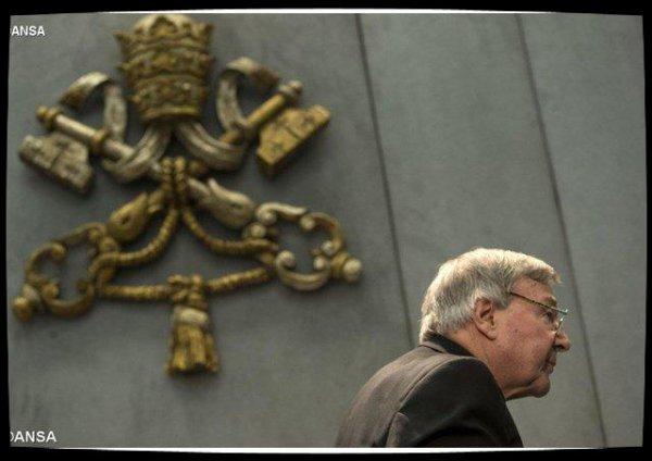 Abus sexuels : le cardinal George Pell inculpé