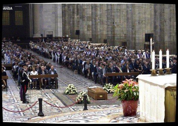Les Milanais ont dit adieu au cardinal Tettamanzi