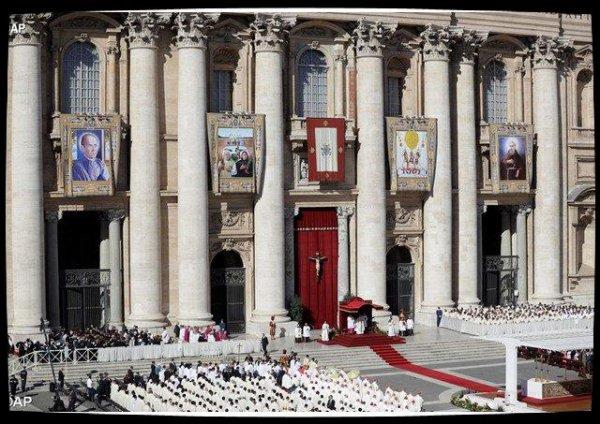 L'Eglise compte 35 nouveaux saints, dont 33 martyrs