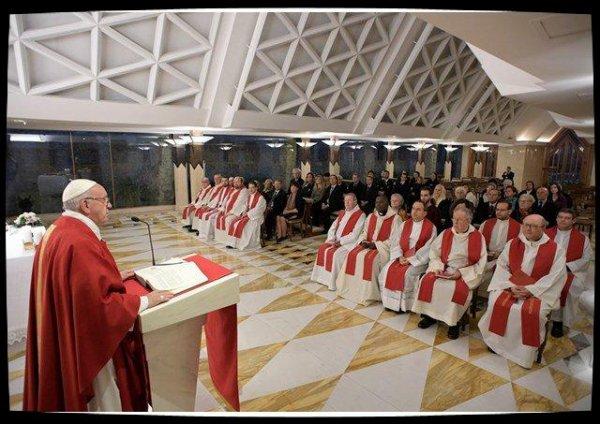 Le Pape à Sainte-Marthe: les églises sont des lieux de services et non des supermarchés