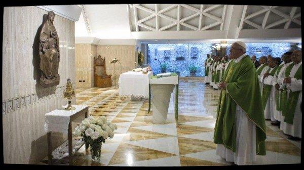 Le Pape à Sainte-Marthe: la beauté du couple, c'est la ressemblance à Dieu