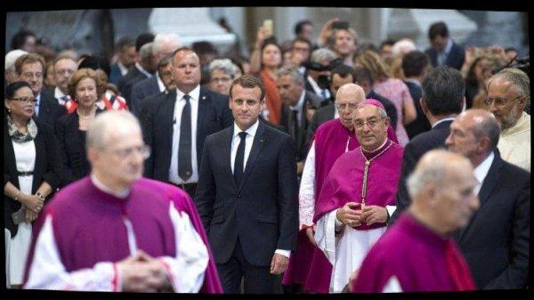 Emmanuel Macron prend possession du titre de chanoine d'honneur du Latran