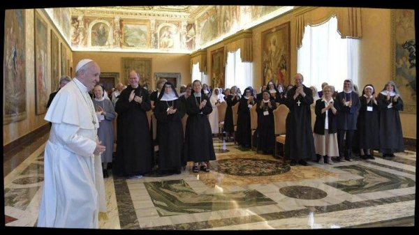 Le Pape encourage les bénédictines à être des signes de la tendresse du Christ
