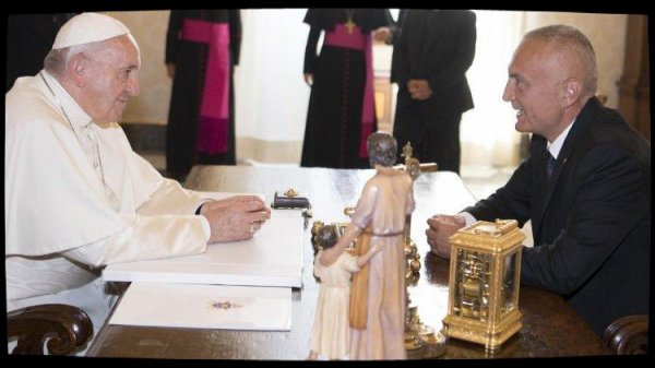 Le Pape François a reçu le président albanais Ilir Meta