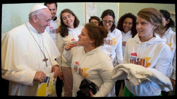 Le dialogue du Pape François avec des jeunes du diocèse de Grenoble
