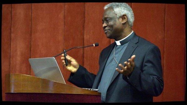 Le cardinal Turkson invite au respect des droits des migrants