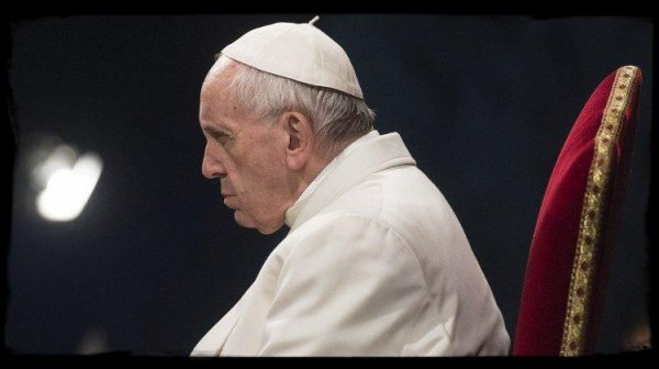 Le Pape François réduit deux évêques chiliens à l'état laïc