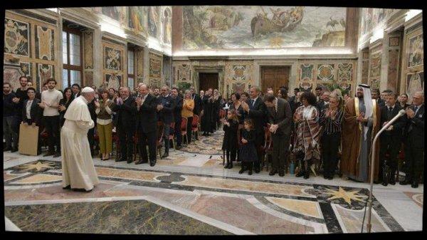 Le Pape reçoit les artistes du concert de Noël