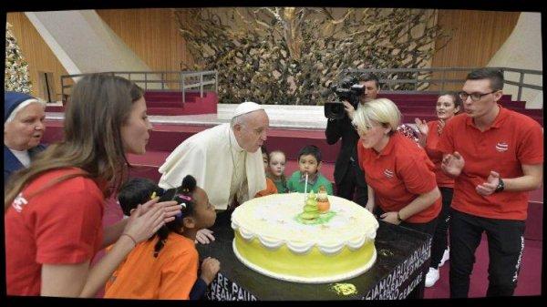 Le Pape reçoit les enfants du dispensaire de Sainte-Marthe
