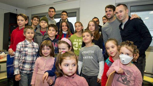 Le Barça visitent les hopitaux