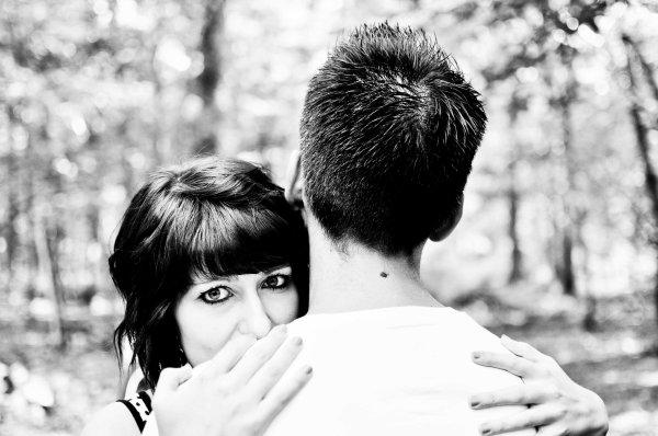 Lorsqu'une personne nous aime alors qu'on a rien de particulier, et qu'il y a des milliards d'autres personnes à aimer, on a l'impresion que le monde nous appartient