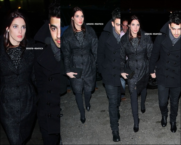 * 16 décembre 2010 - Ashley et Joe Jonas en dîner à New York. *