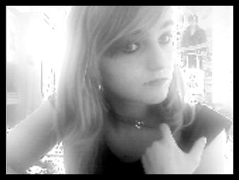 Pas d'cris, pas d'larmes, J'combat l'mal par le mal En m'laissant mourir en silence... C'est rien qu'une crise d'adolescence . . .