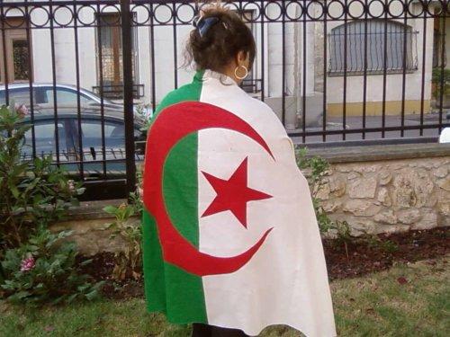 LA   KABYLIE        &     L'   ALGERIE                                                                                                                                                                                                                                                                                     TKT TOUJOURS LA POUR REPRESENTEII