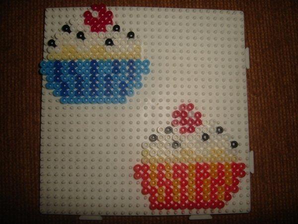 encore des cupcakes en perle Hama