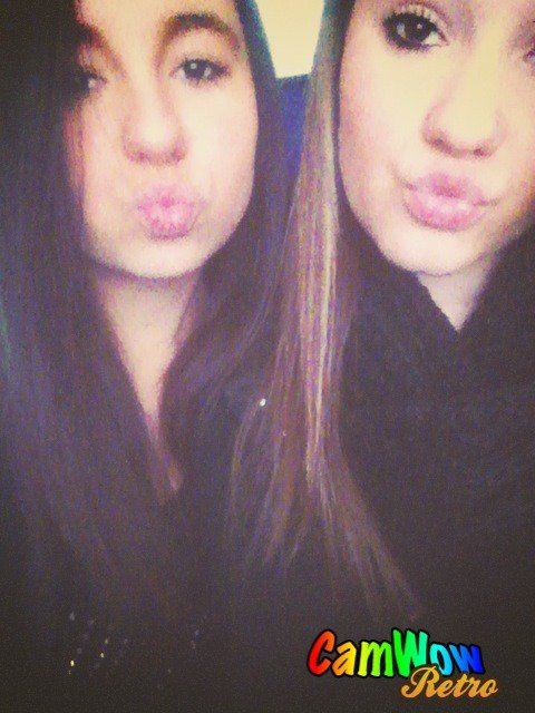 Alessia & Veda (ll) .