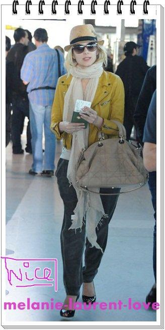 Mélanie vue à l'aéroport de Nice après la ceremonie de cloture...