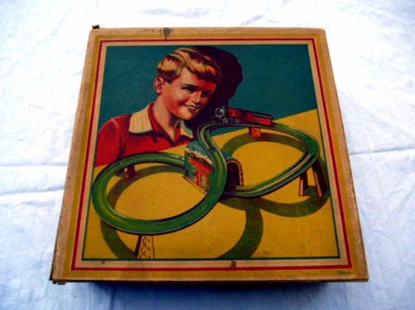 TECHNOFIX- circuit N° 235 de 1937 - Nom : chemin de fer spiral en miniature