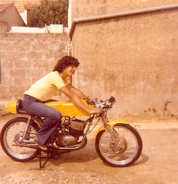 les annees 75 en moto,mes potes,ma mere et ses potes,mon pere et sa moto.