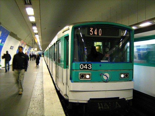 Métro ligne 3 RATP station Gambetta