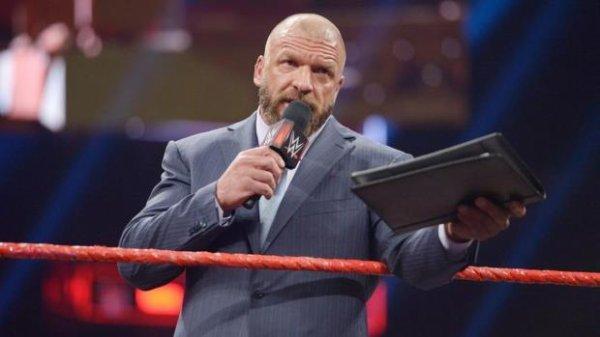 Triple H prend le contrôle de 205 Live