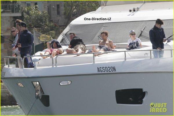 One Direction LZ ( En mode vacances en Australie ) XD