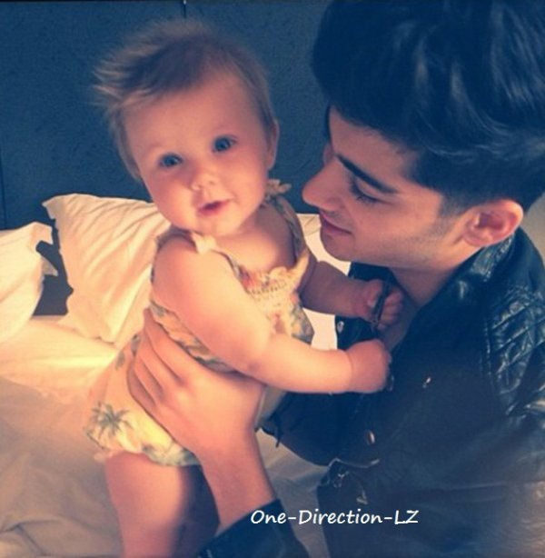 One Direction LZ ( Avec Lux, l'enfant de leur styliste ) ♥