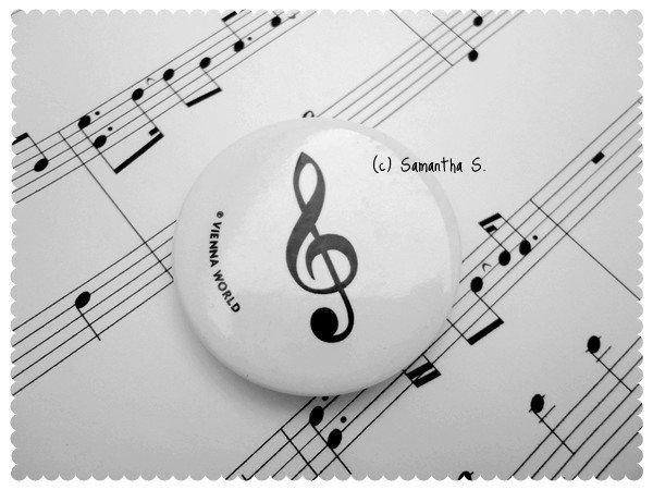 G-Clef Magnet (white)
