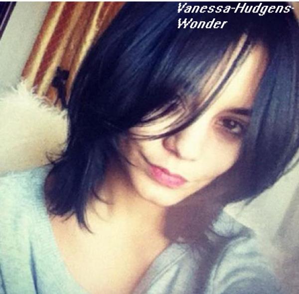 Vanessa Hudgens : Sexy sans ses extensions