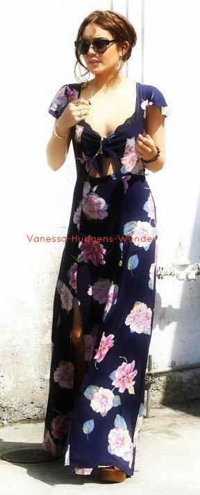 Look de Vanessa Hudgens : Joliment fleurie pour une journée shopping !