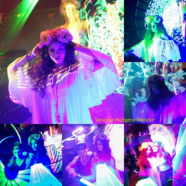 Vanessa Hudgens : Son photoshoot éblouissant pour Harmonic Lights !