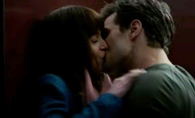 Pour la femme de ma vie tellement envie de te prendre dans mes bras et t embrasser passionnément je t aime fort fort fort