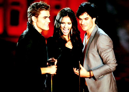 Vampire Diaries récompensée aux Teen Choice Awards