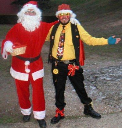 DÉCEMBRE 2004 : le Père Noël présente le Messager du Père Noël