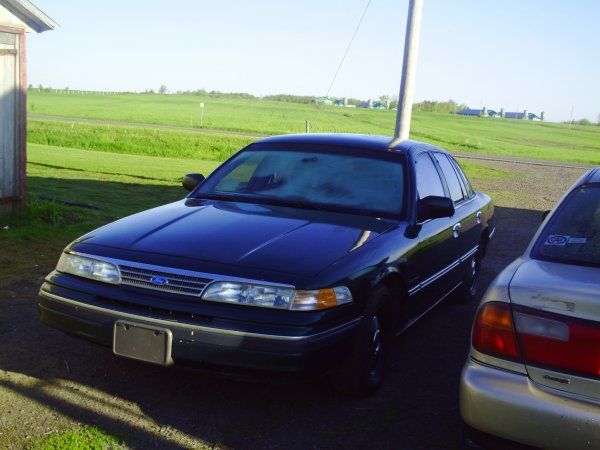 ford crown victoria 93