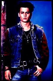""""""";Sans Tim Burton, qui m'a donné le rôle principal d'Edward aux Mains d'Argent et avec qui j'ai tourné 3 films par la suite, je serais devenu un loser. Il m'a empêcher de devenir l'un de ces acteurs hollywoodiens qu'on finit par jeter quand il ne séduit plus les adolescentes."""" Johnny Depp"""
