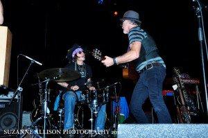 Johnny Depp et ses amis de créer une soirée de musique au Théâtre El Rey