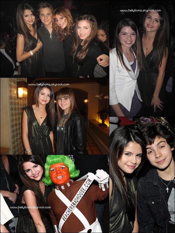 04.12.10 ~ Selena était présente à la fête d'anniversaire de sa co-star Jake T Austin qui a eu 16ans.
