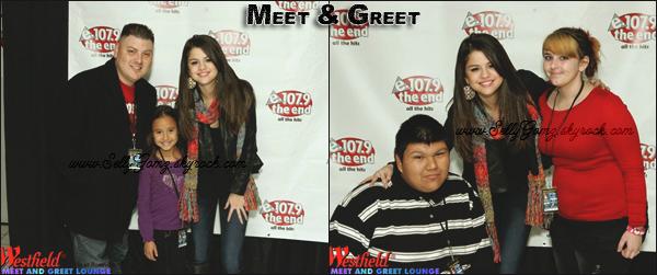 02.12.11 ~ Selena & The Scene donnant un concert à Phooson à Phoenix puis rencontrant ses fans lors d'un meet & greet.
