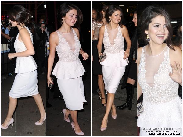12.11.12 ~ Selena était présente à la cérémonie Glamour Magazine Women Of The Year où elle a été élue Femme de l'année!