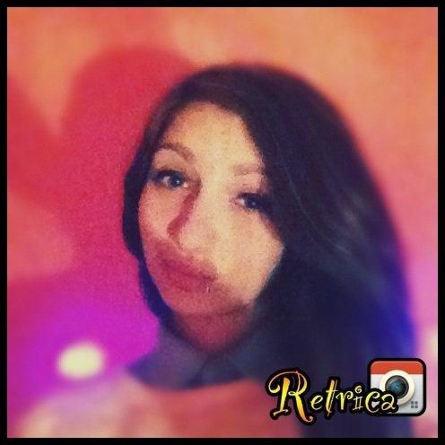 Ne rends pas une fille amoureuse,si ne comptes pas l'aimer en retour ! ∞