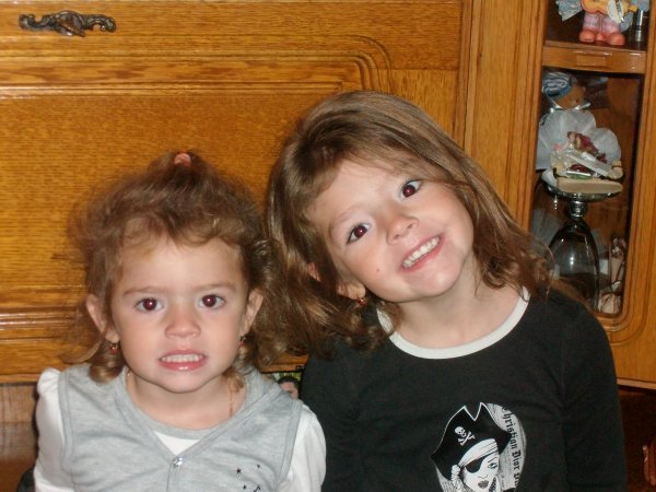 alison & stecy mes 2 filles je vous aime mes z'amour