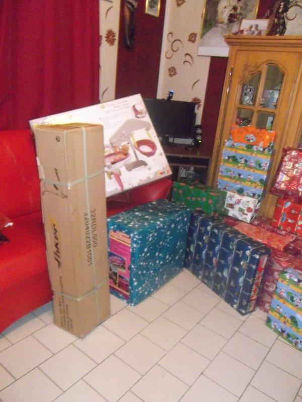 et mes ptis loulous avec leurs cadeaux