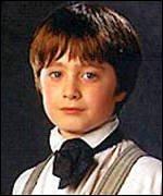 """""""- Ron ! nous sommes censés montrer le chemin aux premières années ! - Ah oui, Eh vous là-bas, les demi-portions !"""" Hermione et Ron"""