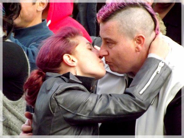 suite et fin du Kiss-In !!!