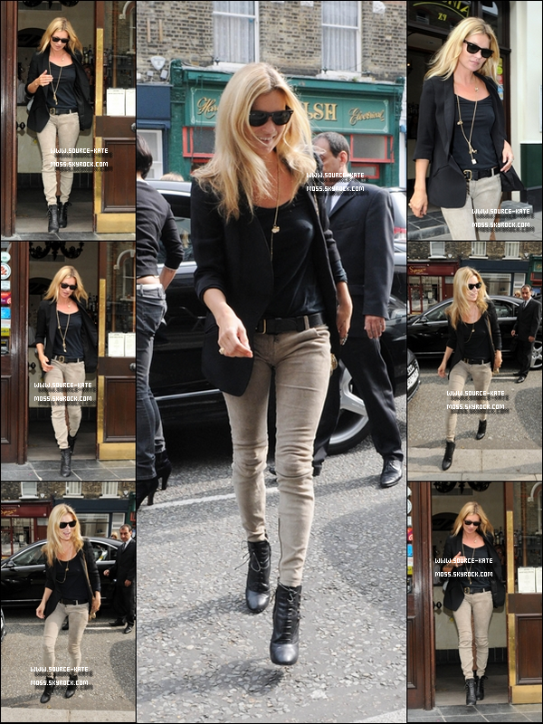 ". Kate Moss était au restaurant ""Lemonia"" à Primrose Hill, le 8 septembre. Magnifique top! ."